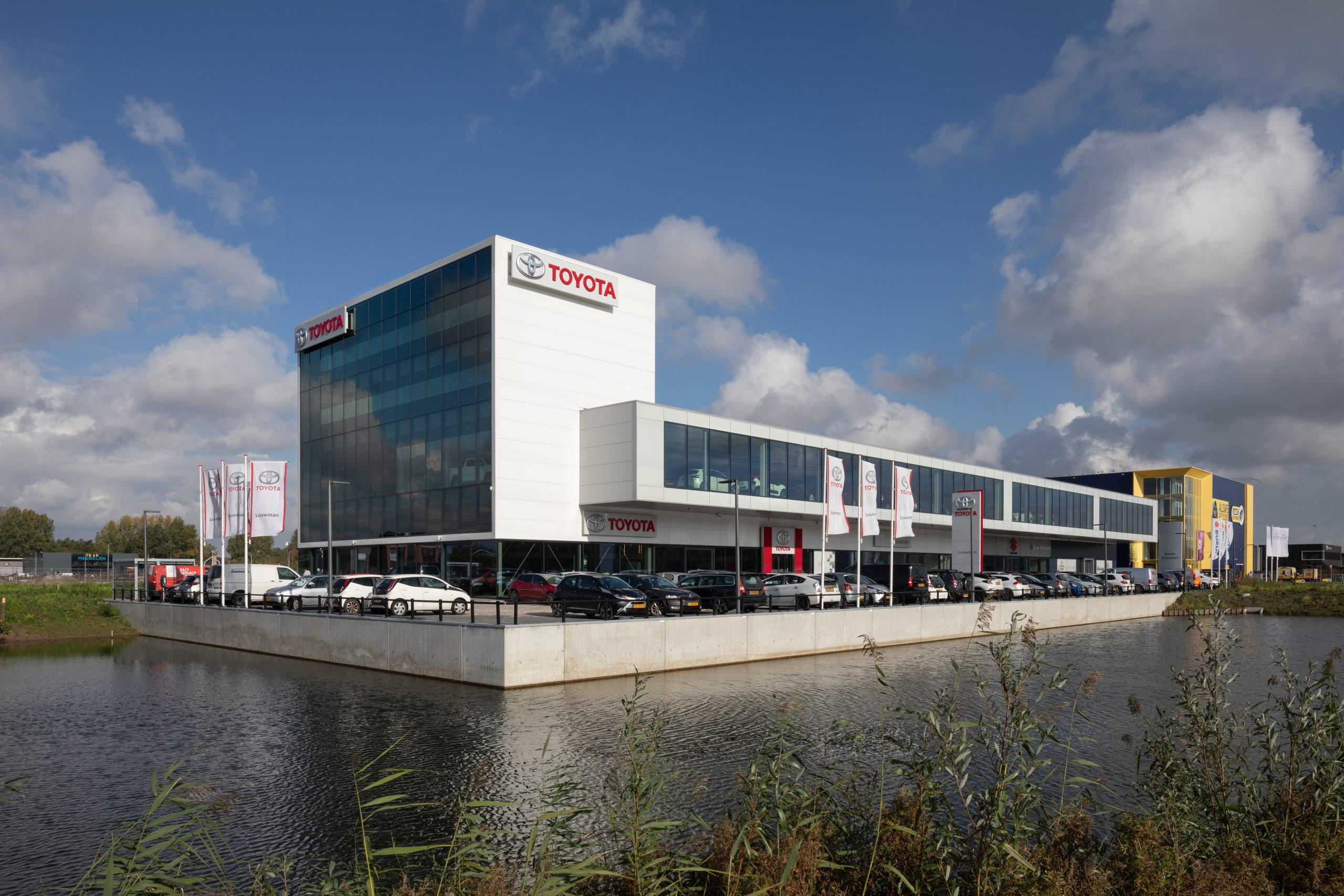 Louwman Toyota Rotterdam